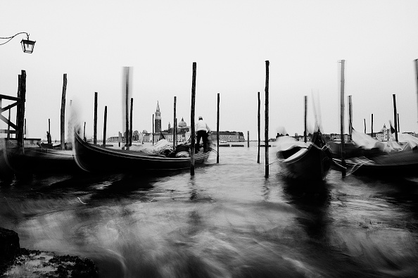 Passenger Craft「Alternative View - Landmarks Of Venice In Black And White」:写真・画像(13)[壁紙.com]