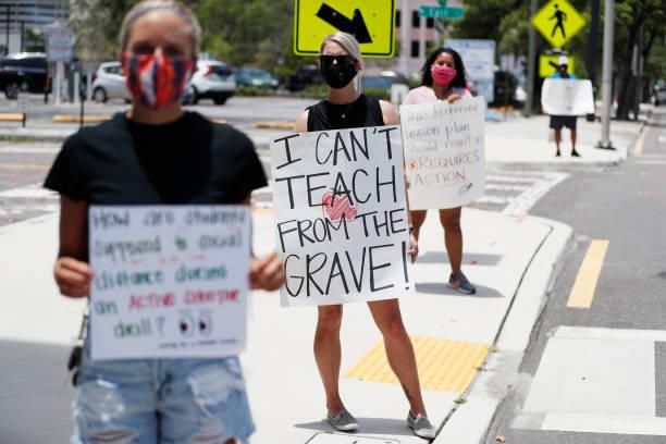 Hillsborough County Florida Teachers Protest Reopening Schools Amid Pandemic:ニュース(壁紙.com)