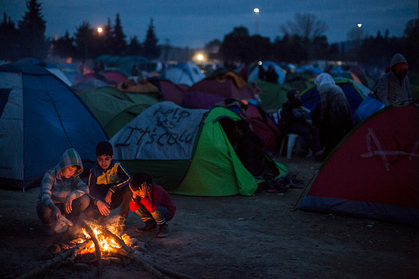 Night「Migrants Continue To Travel North From Athens To Macedonian Border」:写真・画像(17)[壁紙.com]