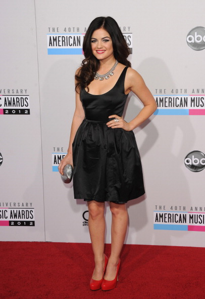 Red Shoe「The 40th American Music Awards - Arrivals」:写真・画像(11)[壁紙.com]