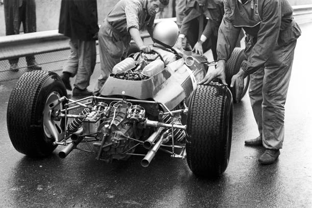 Mechanic「Lorenzo Bandini, Grand Prix Of Italy」:写真・画像(13)[壁紙.com]