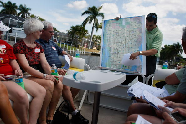 Water「Boat Tours Give Buyers Close-Up View Of Foreclosed Homes」:写真・画像(19)[壁紙.com]