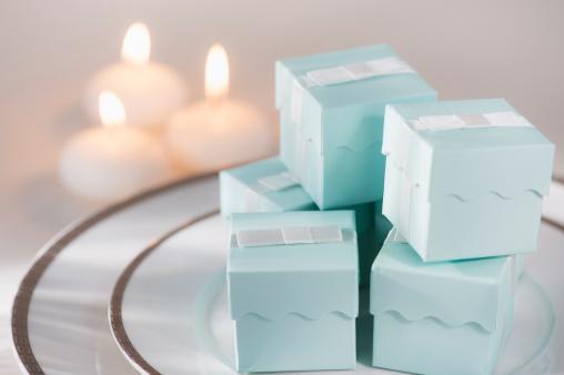 プレゼント「Pastel composition with gifts packages and candles」:スマホ壁紙(4)