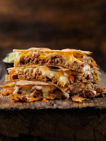 Tortilla - Flatbread「Cheesy Beef Taco Quesadilla」:スマホ壁紙(15)