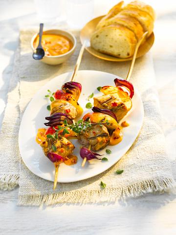 Plate「Grill skewer, chicken meat, onion, paprika, sauce, thyme」:スマホ壁紙(0)