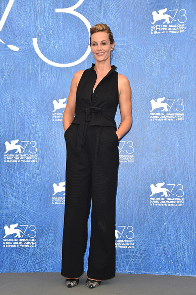 Cecile de France「'The Young Pope' Photocall - 73rd Venice Film Festival」:写真・画像(16)[壁紙.com]