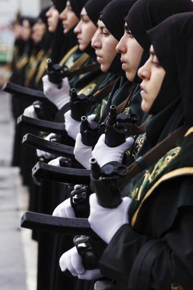 Conformity「Iranian Female Police Officers To Fight Female Commited Crime」:写真・画像(12)[壁紙.com]