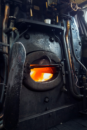 Train Interior「Steam engine furnace」:スマホ壁紙(18)