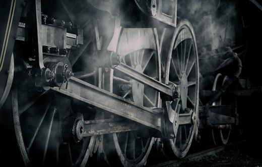 モノクロ「蒸気エンジン機関車列車の車輪がうっすら」:スマホ壁紙(6)