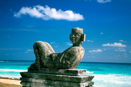 Archaeology「Mexico, Cancun Beach, Chac Mool」:スマホ壁紙(3)