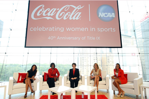 Lincoln Center「Stars Join Coca-Cola, NCAA To Honor Title IX 40th Anniversary」:写真・画像(18)[壁紙.com]