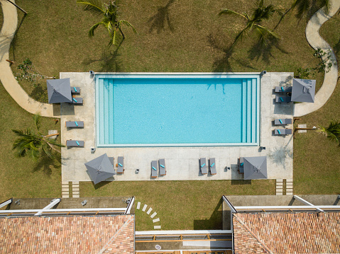 Sri Lanka「Overhead view of empty swimming pool」:スマホ壁紙(13)