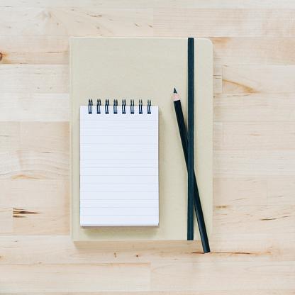 Diary「Overhead view of notebooks」:スマホ壁紙(4)