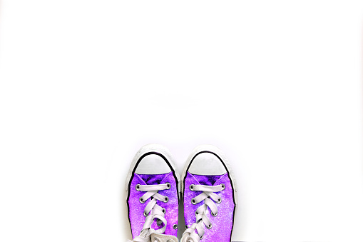 Purple Shoe「Overhead view of purple sneakers」:スマホ壁紙(6)