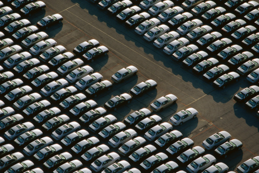 Car Dealership「Overhead view of car lot」:スマホ壁紙(0)