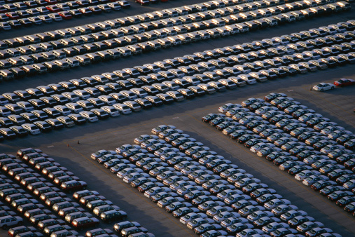 Car Dealership「Overhead view of car lot」:スマホ壁紙(7)