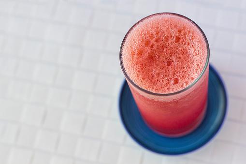 スイカ「Overhead view of glass of watermelon juice」:スマホ壁紙(10)