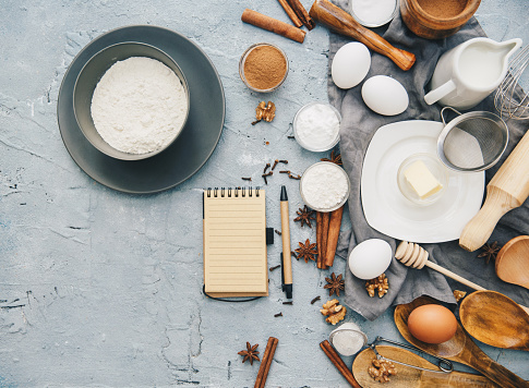 Star Anise「Overhead view of Baking ingredients and a notepad」:スマホ壁紙(10)