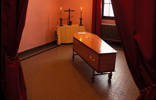Altar「Funeral Chapel in Hospital in Paris」:スマホ壁紙(13)