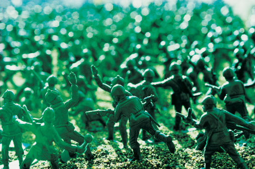 Battle「Large Group of toy Soldiers in a Battle」:スマホ壁紙(11)