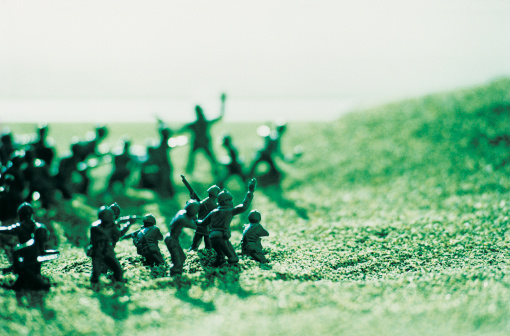 Battle「Large Group of toy Soldiers in a Battle」:スマホ壁紙(5)