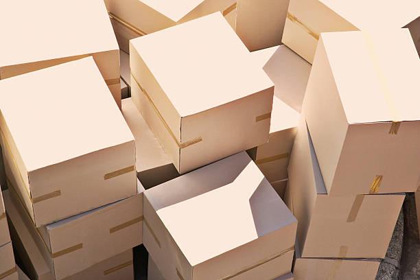 Large group of stacked boxes:スマホ壁紙(壁紙.com)