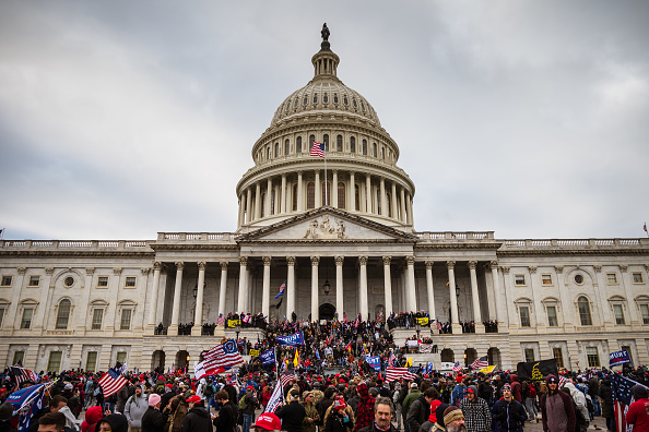 "Riot「Trump Supporters Hold ""Stop The Steal"" Rally In DC Amid Ratification Of Presidential Election」:写真・画像(4)[壁紙.com]"