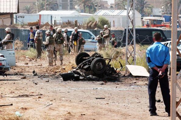 Iraqi Governing council「Car Bomb Explodes Near U.N. Building In Iraq」:写真・画像(18)[壁紙.com]
