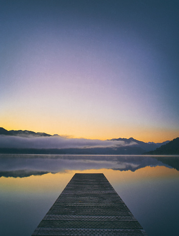 Mirror Lake「Lake Kaniere At Dawn, New Zealand」:スマホ壁紙(17)