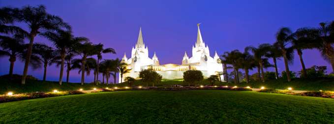 Temple「The San Diego California Temple is the 47th constructed and 45th operating temple of The Church of Jesus Christ of Latter-day Saints located near the La Jolla community of San Diego.」:スマホ壁紙(14)