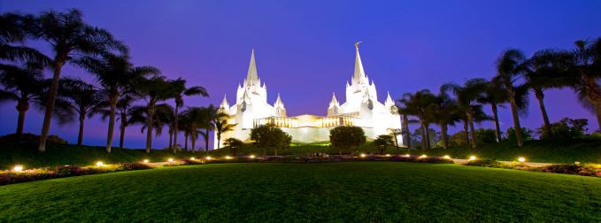 寺「The San Diego California Temple is the 47th constructed and 45th operating temple of The Church of Jesus Christ of Latter-day Saints located near the La Jolla community of San Diego.」:スマホ壁紙(14)