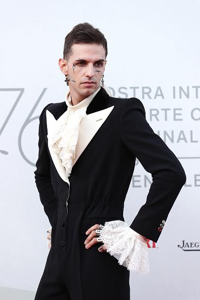 "Cross Shape「""Happy Birthday"" Red Carpet Arrivals - The 76th Venice Film Festival」:写真・画像(6)[壁紙.com]"