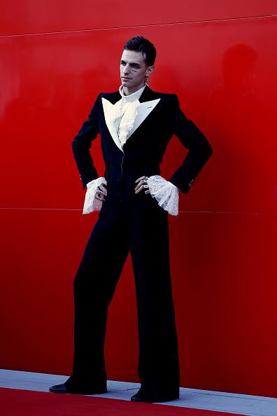 "Cross Shape「""Happy Birthday"" Red Carpet Arrivals - The 76th Venice Film Festival」:写真・画像(11)[壁紙.com]"