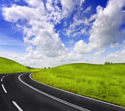 Motor Racing Track「Road and cloudy sky」:スマホ壁紙(2)