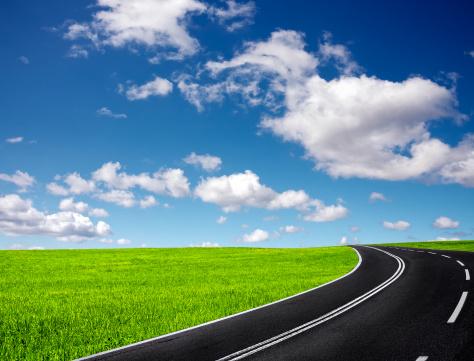 Motor Racing Track「Road and cloudy sky」:スマホ壁紙(13)