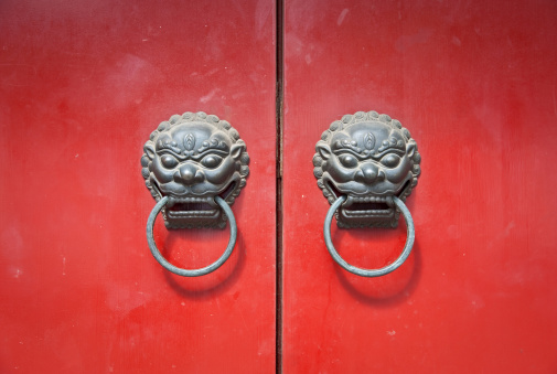 Dragon「Chi Lin Door Knocker in Shanghai, China」:スマホ壁紙(15)