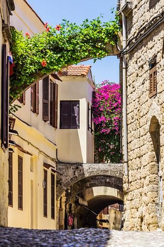 Aegean Sea「Greece, Rhodes, alley」:スマホ壁紙(19)