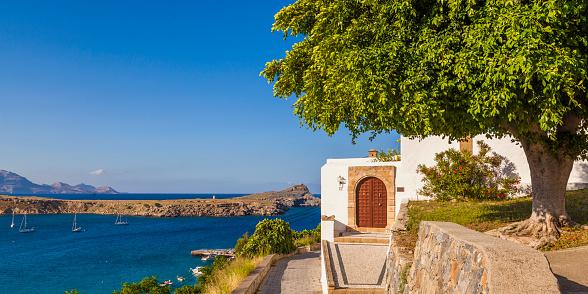 Aegean Sea「Greece, Rhodes, Lindos, View of house and bay」:スマホ壁紙(6)