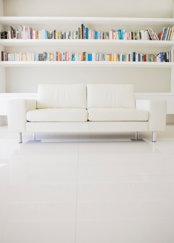 Living Room「Modern sofa and shelves in living room」:スマホ壁紙(9)