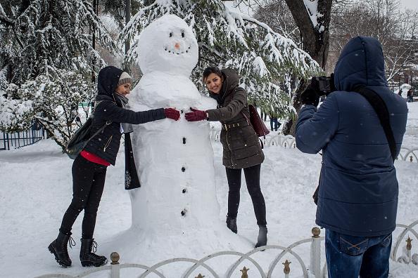 雪だるま「Istanbul Covered In Snow After Hit With Severe Snow Storm」:写真・画像(2)[壁紙.com]