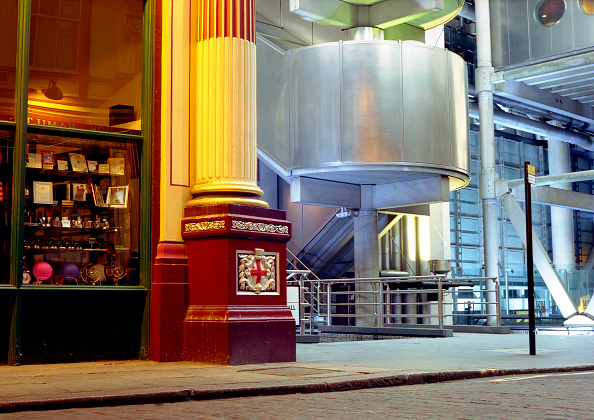 Multi Colored「Leadenhall Market and Lloyds Building, London, United Kingdom」:写真・画像(5)[壁紙.com]