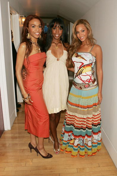 Kelly public「MTV TRL With Lindsay Lohan, Justin Long And Destiny's Child」:写真・画像(2)[壁紙.com]