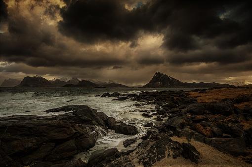 cloud「Storm approaching the beach, Flakstad, Lofoten, Nordland, Norway」:スマホ壁紙(2)