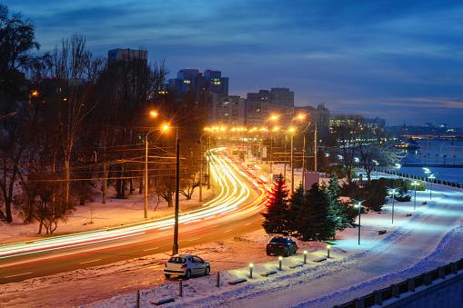 車「Ukraine, Dnepropetrovsk region, Dnepropetrovsk city, City with light trails」:スマホ壁紙(18)