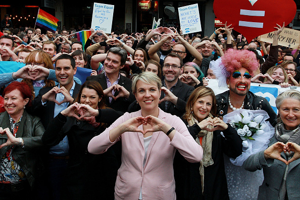 Hand「Australians Rally For Free Vote On Marriage Equality Sydney」:写真・画像(19)[壁紙.com]
