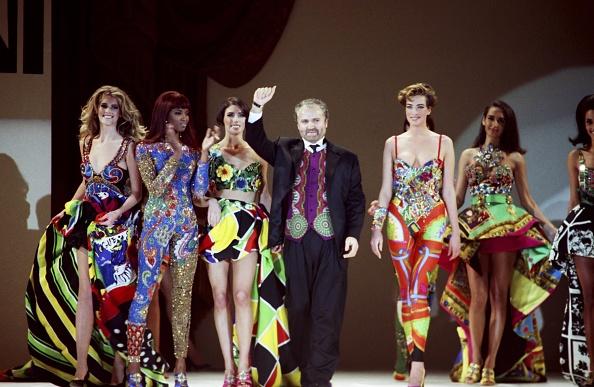 1990-1999「Stars Attend Gianni Versace Fashion Show」:写真・画像(2)[壁紙.com]