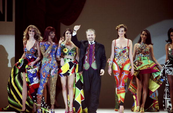 Socialite「Stars Attend Gianni Versace Fashion Show」:写真・画像(18)[壁紙.com]