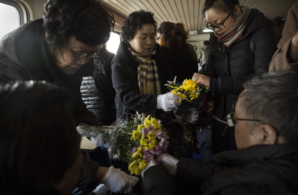 Petal「Chinese Encouraged To Bury Deceased At Sea」:写真・画像(8)[壁紙.com]