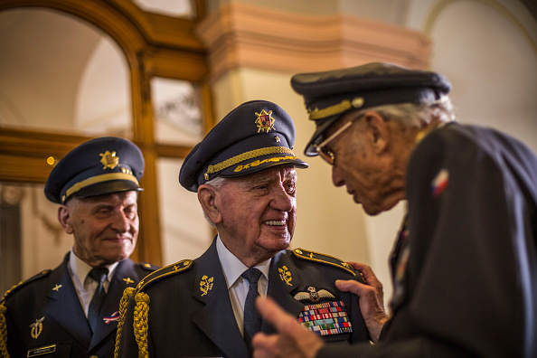 70th Anniversary「Ceremony Is Held To Honour Czechoslovak Airmen Who Fought With RAF In WWII」:写真・画像(14)[壁紙.com]