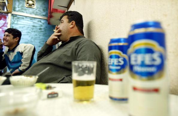 Bar - Drink Establishment「Bar Serves Alcohol In Baghdad」:写真・画像(10)[壁紙.com]